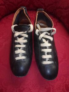 Caricamento dell immagine in corso Rare-scarpe-da -calcio-in-pelle-vintage-anni- f830562d9a3
