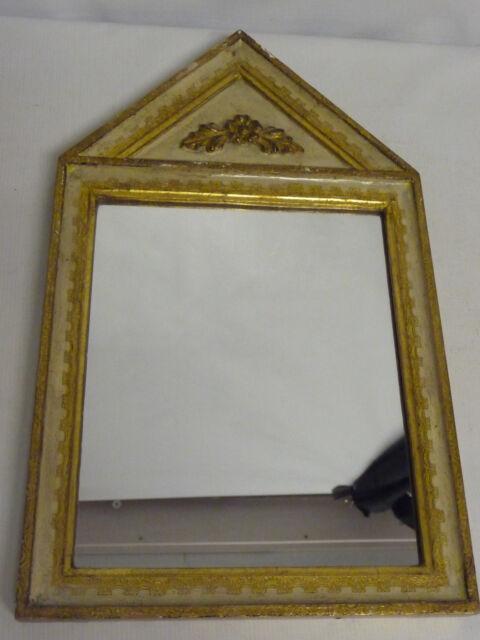 Miroir de style Directoire doré à fronton