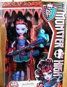 New-Monster-High-Jane-Boolittle-Doll-In-Hand-Worldwide-Shipping