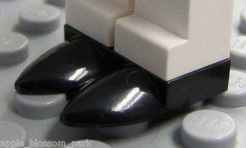 NEW Lego Minifig Pair TAN ICE SKATES 1x1 Tooth Plate//Bird Beak Bride Groom Shoes