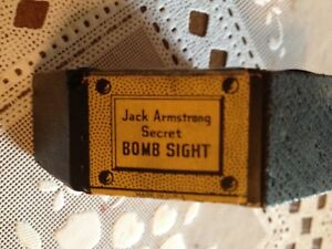 Vintage-Jack-Armstrong-Secret-Bomb-Sight-With-one-Wooden-Bombs-1942