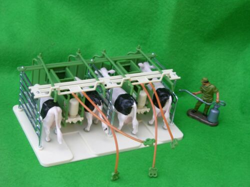 BRITAINS FARM ANIMALS, MILKING PARLOUR, FARM SET