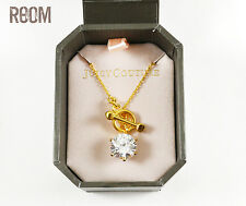 Juicy Couture CZ SOLITAIRE toggle necklace gold color with box
