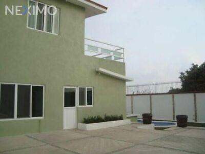 Casa en Venta con Zona Alberca en Zona Norte