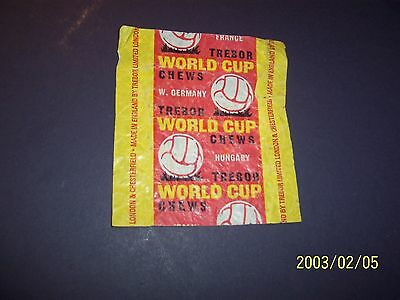 TREBOR World Cup Chews foorball Gum Wrapper 1982 not sure