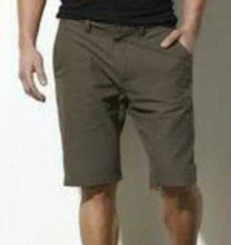 Mens Adam Levine Green Checked Lightweight Flat Front Casual Shorts-size 32