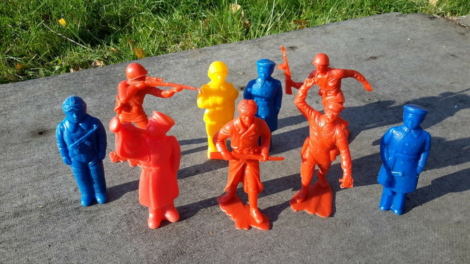 1970's USSR Russia Soviet Military Plastic Toys SOLDIERS Small Size Set of 9