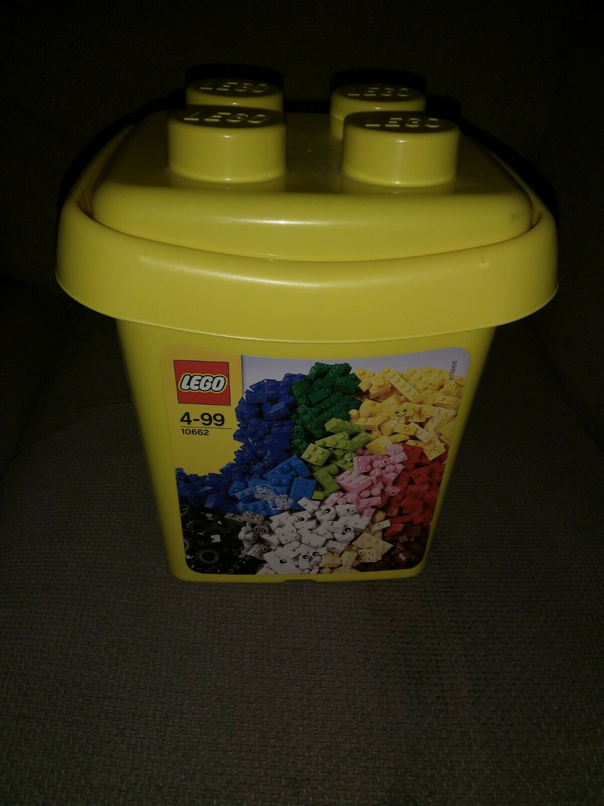 JOB LOT OF LEGO IN LEGO TUB.