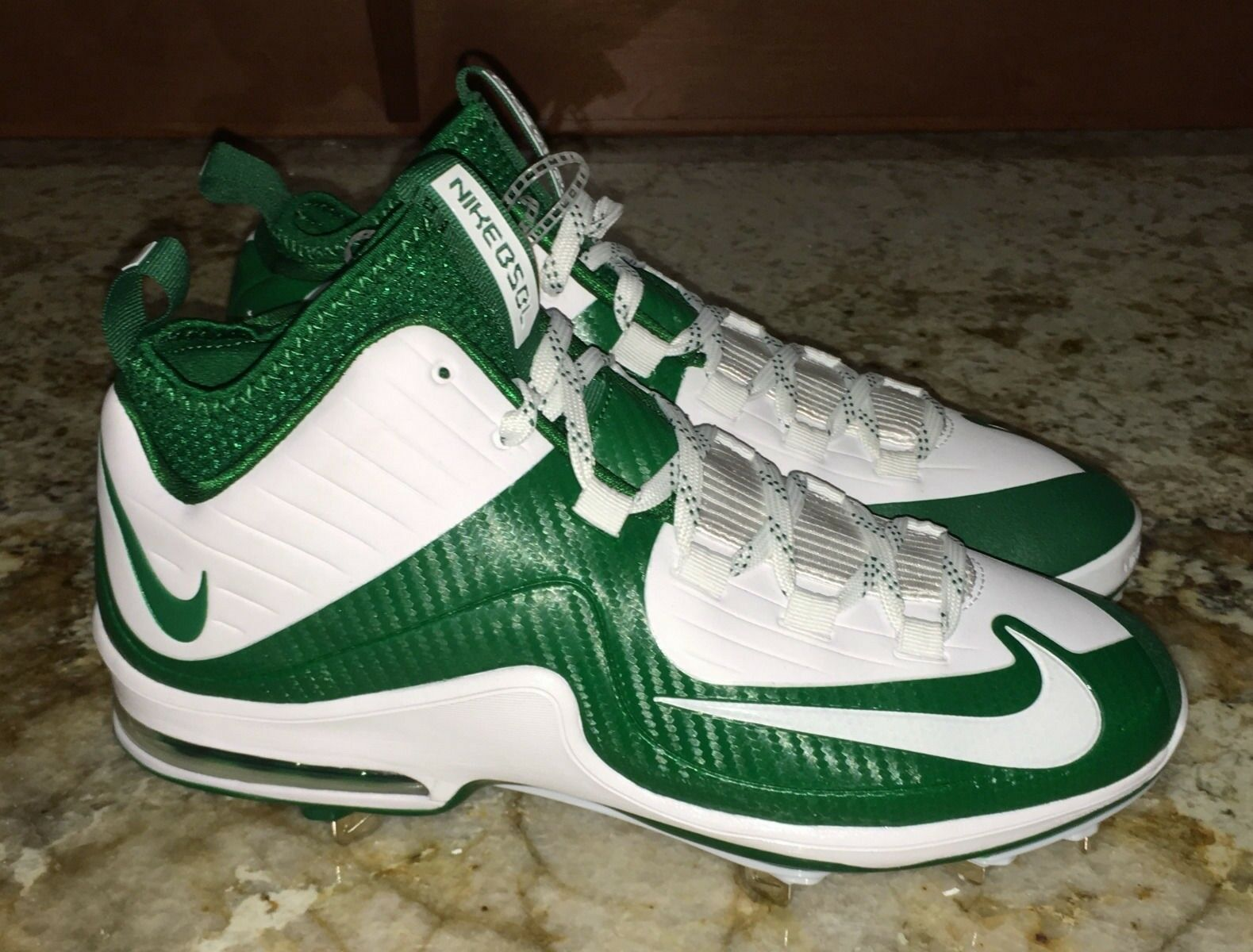 NIKE Air Max MVP Elite 2 Mid White Green Metal Spike Baseball Cleats NEW Mens 9