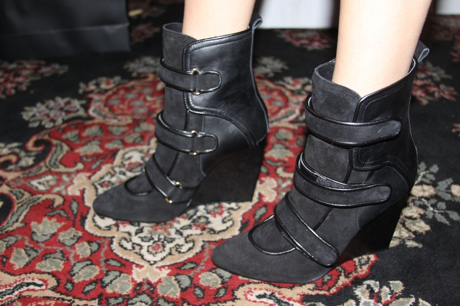 GUESS TYLAE WEDGE/BOOTIE WITH 40M STRAPS BLACK COLOR SIZE 40M WITH 0f3f09