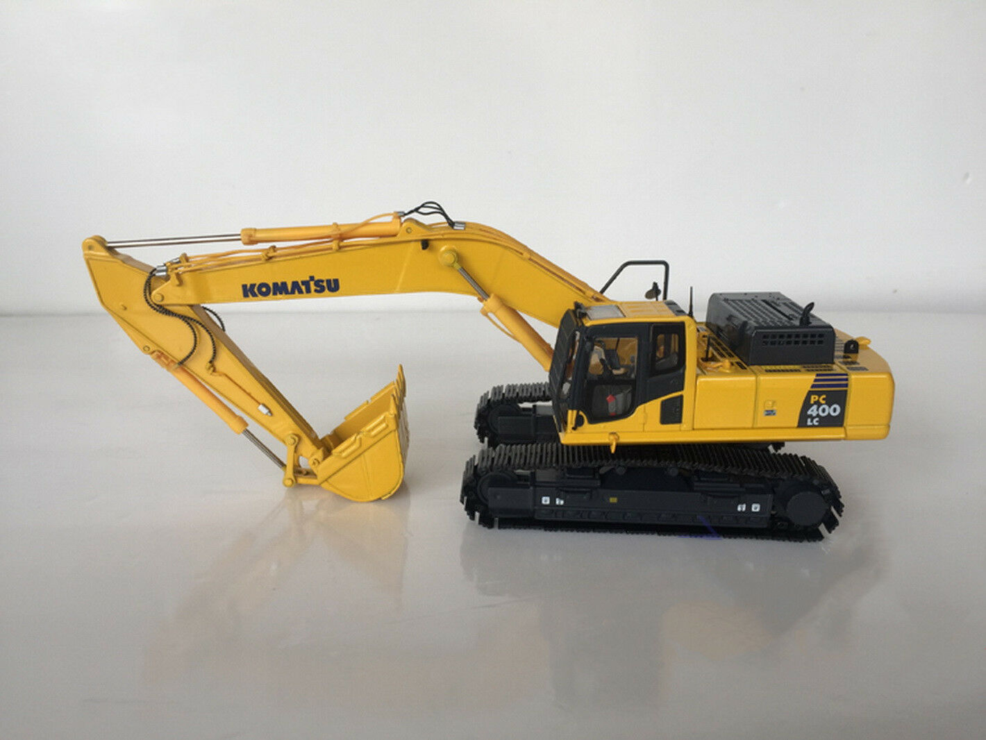 1 50 pistas de metal Excavadora Komatsu PC400LC-8 Juguete Diecast Modelo