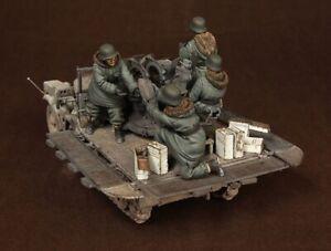 1-35-Resin-WWII-German-Antiaircraft-Gun-Team-5-Soldiers-Kit-NO-CAR