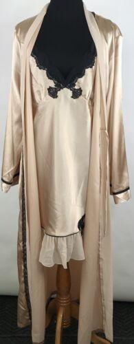 Vintage Delicates Women's Robe & Nightie Beige Bla
