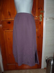 Anne-Brooks-petite-purple-skirt-fully-lined-embroidered-design-at-bottom-size-14