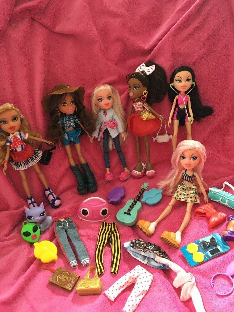 Bratz Bundle Of 6 New Style Dolls (2) Extra Clothes Immaculate Condition