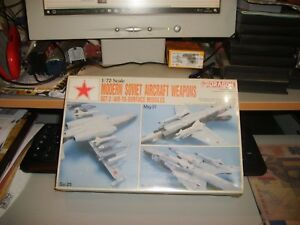 MODERN-SOVIET-AIRCRAFT-WEAPONS-SET-2-DRAGON-1991-scala-1-72-mint-boxed