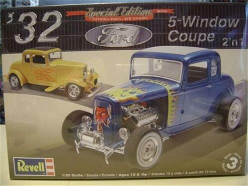 Revell 4228 /'32 Ford 5-Window Coupe model kit