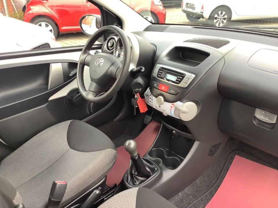Toyota Aygo 1,0 VVT-i T1 Benzin modelår 2012 km 51000