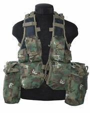 Einsatzweste Tactical 12 Taschen woodland-arid