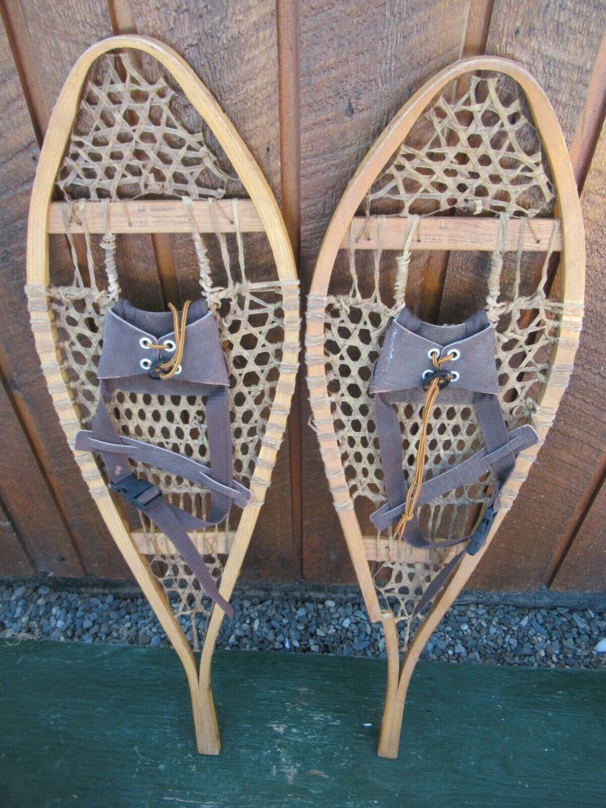 Snowschuhe 35  Long 11  Wide Has Leather Bindings Ready To Hang for Decoration