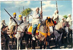 Marokko-Szenen-und-Typen-des-Marokko-Reiter-Bereit-fuer-die-Fantasia-G1158