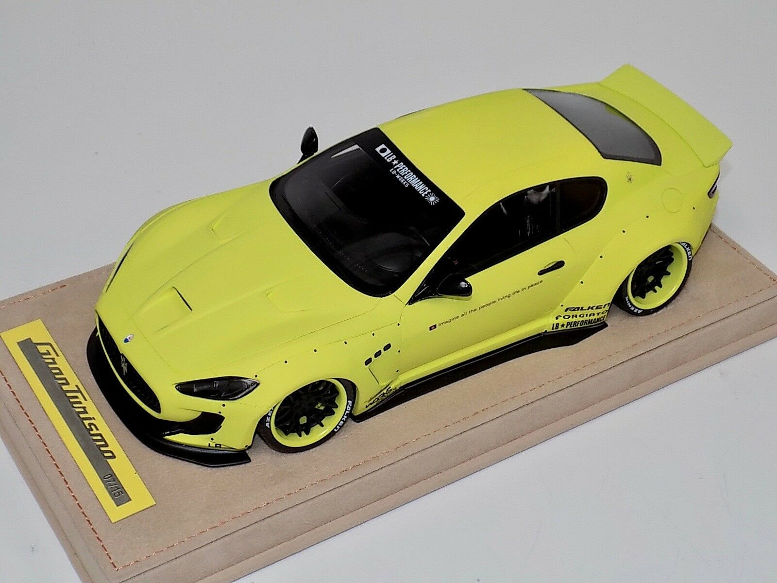 1 18 AB modèles Maserati GranTurismo Liberty Walk Matt jaune Alcantara B