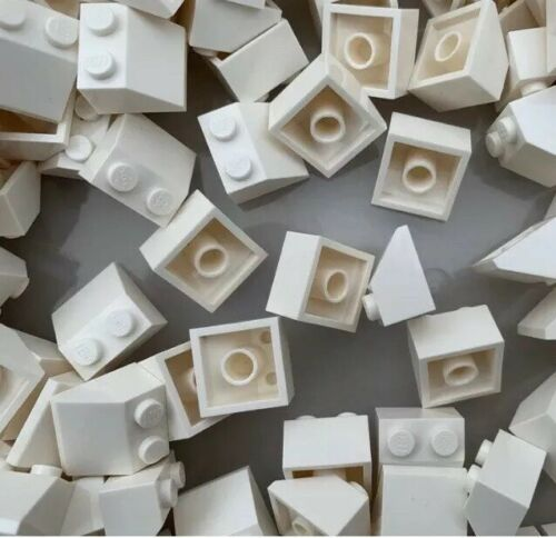 3039 NEW White Friends 2x2 Roof Slopes 100 Pieces Per Order LEGO