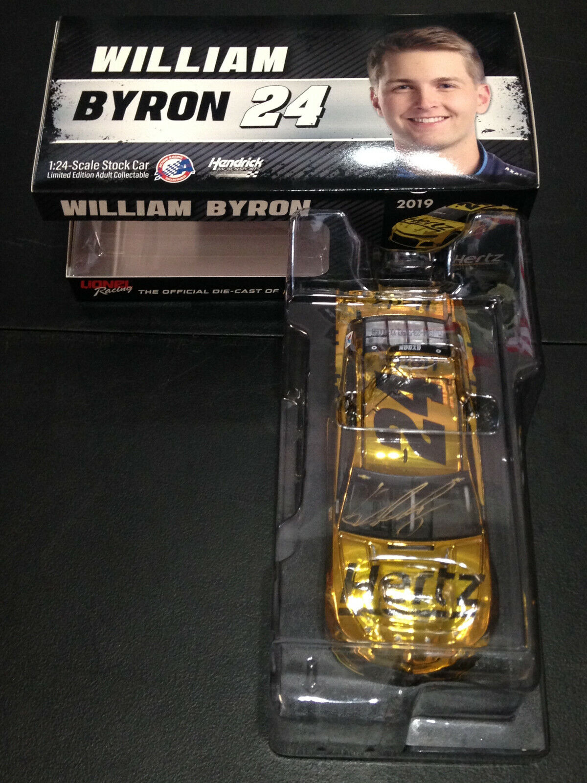 William Byron Signed  Autograph 2019 Hertz color Chrome Camaro 1 24 Car  72