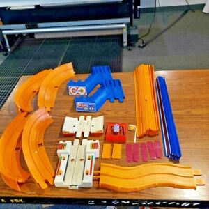 Large-Lot-of-Vintage-1969-Mattel-HOT-WHEELS-Sizzlers-Track-and-Pieces