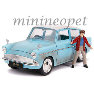 JADA-31127-HOLLYWOOD-RIDES-HARRY-POTTER-1959-FORD-ANGLIA-1-24-with-FIGURE