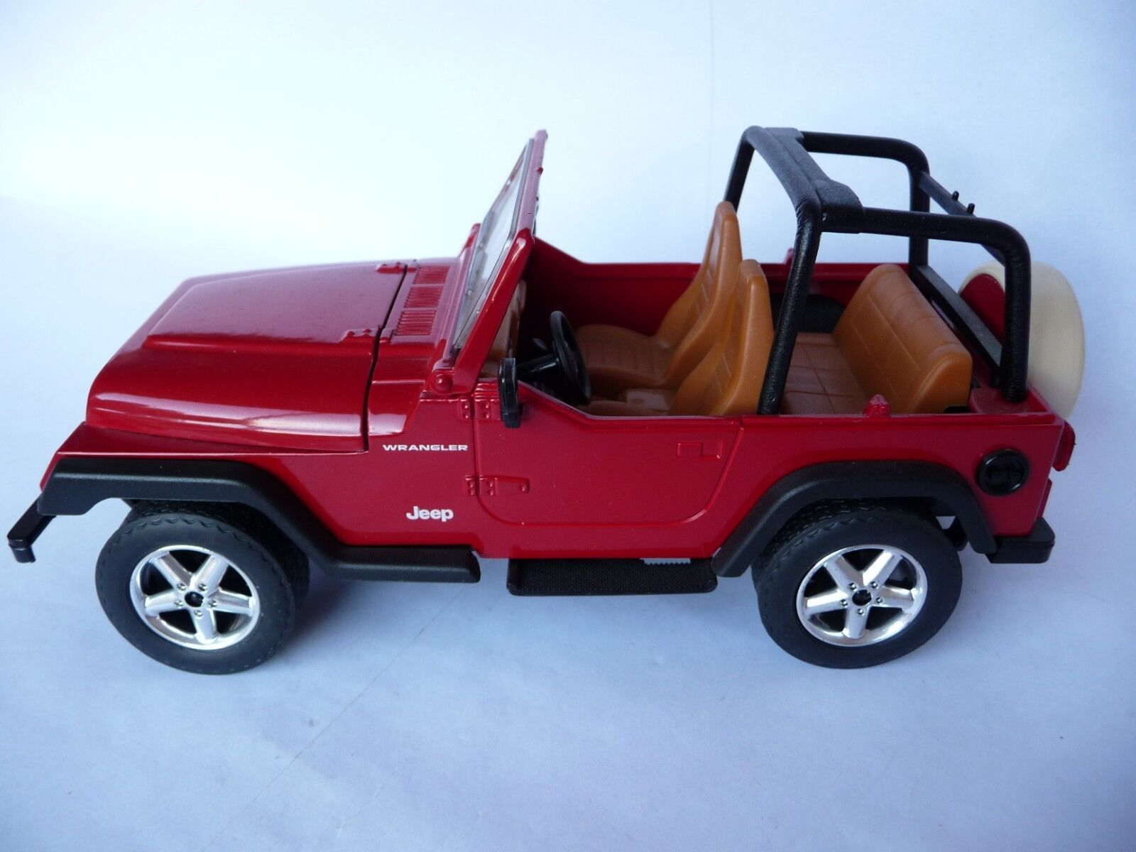Solido 1 18 Jeep Wrangler Bachee Red S009011