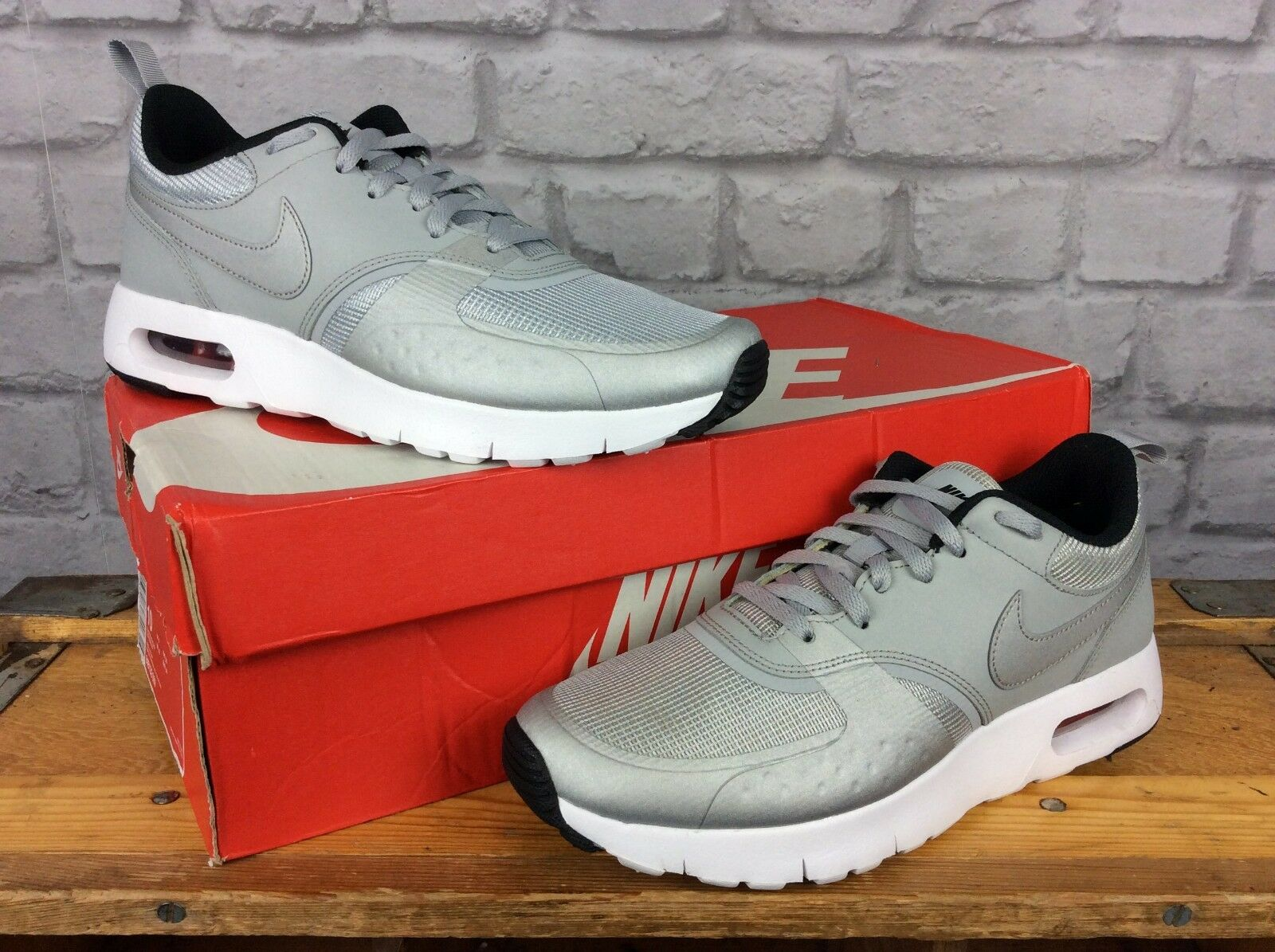 NIKE GREY UK 5 EUR 38 GREY NIKE SILVER METALLIC AIR MAX VISION CHILDREN BOYS GIRLS LADIES 67b5bf