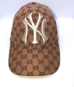 efa3a0d4eb3e5 AUTH Runway GUCCI Baseball hat with NY Yankees™ patch - Style ...