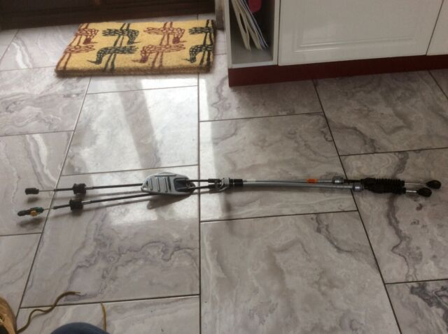 TOYOTA AURIS AVENSIS  2.0 D4D 6 SPEED GEAR LINK LINKAGES CABLES