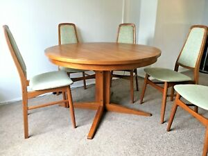 Set Mid Century Round Danish Extending Dining Table 5 Highback Teak Chairs Ebay