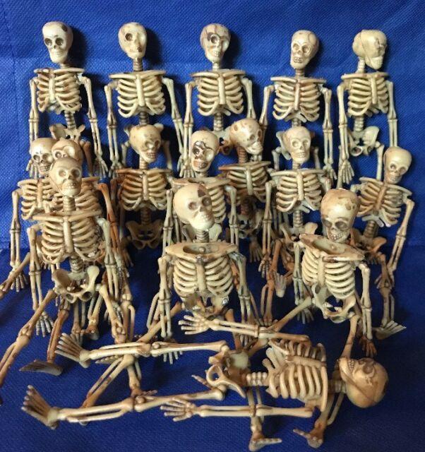 "Lot of 3 Miniature Dollhouse Plastic Skeletons 6/"" inch Halloween Decoration"