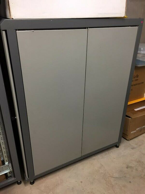 Server racking cabinet, without servers