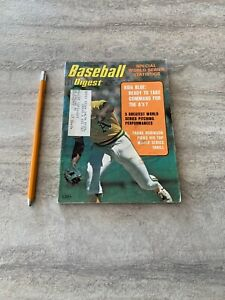 Baseball-Digest-Magazine-October-1975-Frank-Robinson