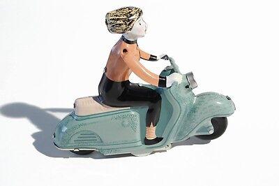 Blechspielzeug MÄdchen Auf Motorroller grün Neue Mode °° Tin Toy °° Jouet En Tôle °° Um Eine Hohe Bewunderung Zu Gewinnen Und Wird Im In- Und Ausland Weithin Vertraut.
