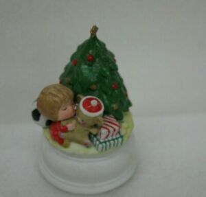 Gorham-Moppets-1982-Fran-Mar-Musical-Christmas-Circulating-Figurine