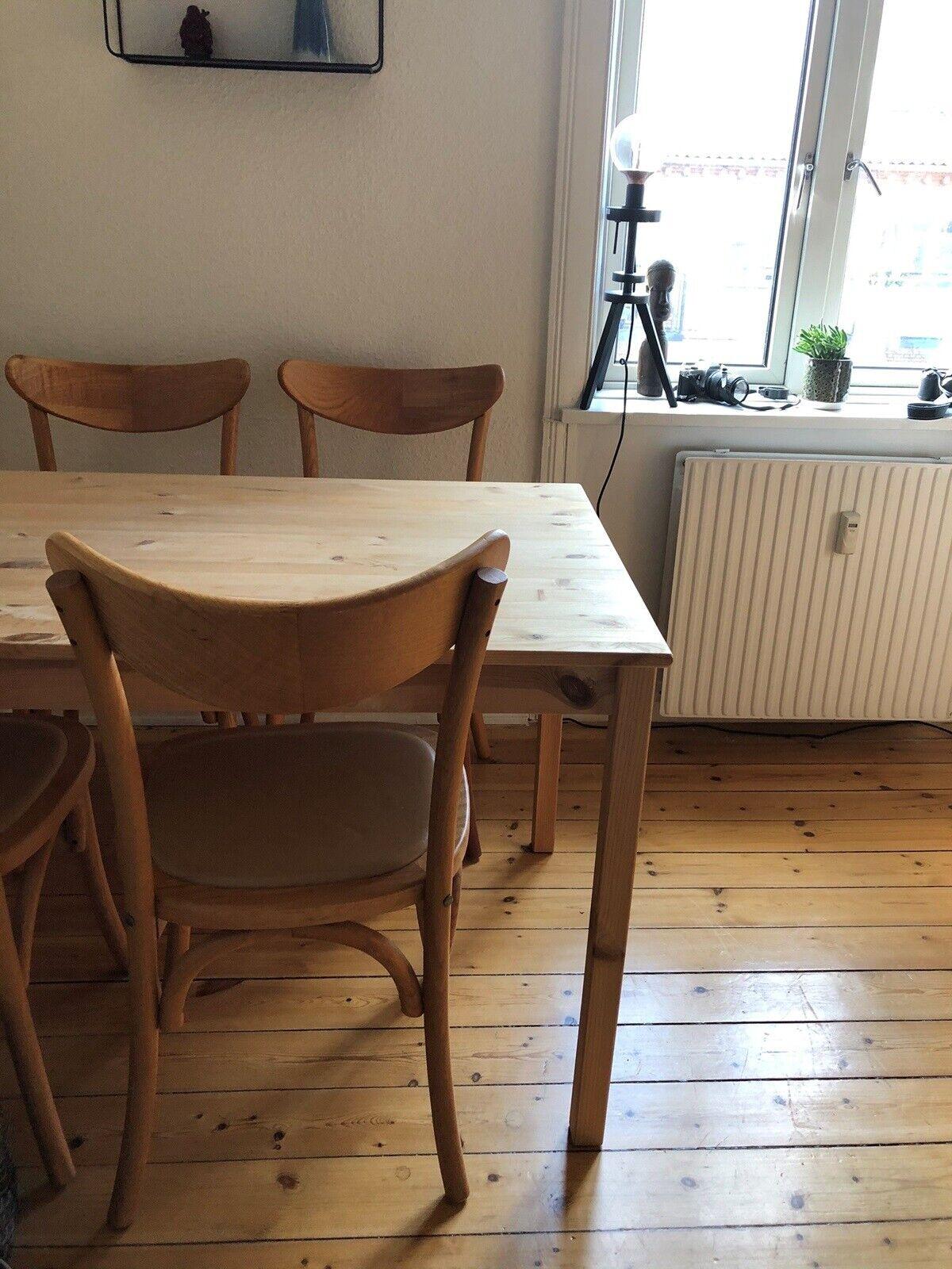 Spisebordsstol, Træ