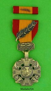 Vietnam-Gallantry-Cross-with-palm-Medal-amp-Ribbon-Anh-Dung-Boi-Tinh-full-size