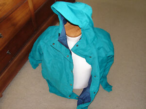 EUC-Cabela-s-Woman-Outerwear-Gore-Tex-Hooded-Jacket-Womens-Sz-X-Large-Raincoat