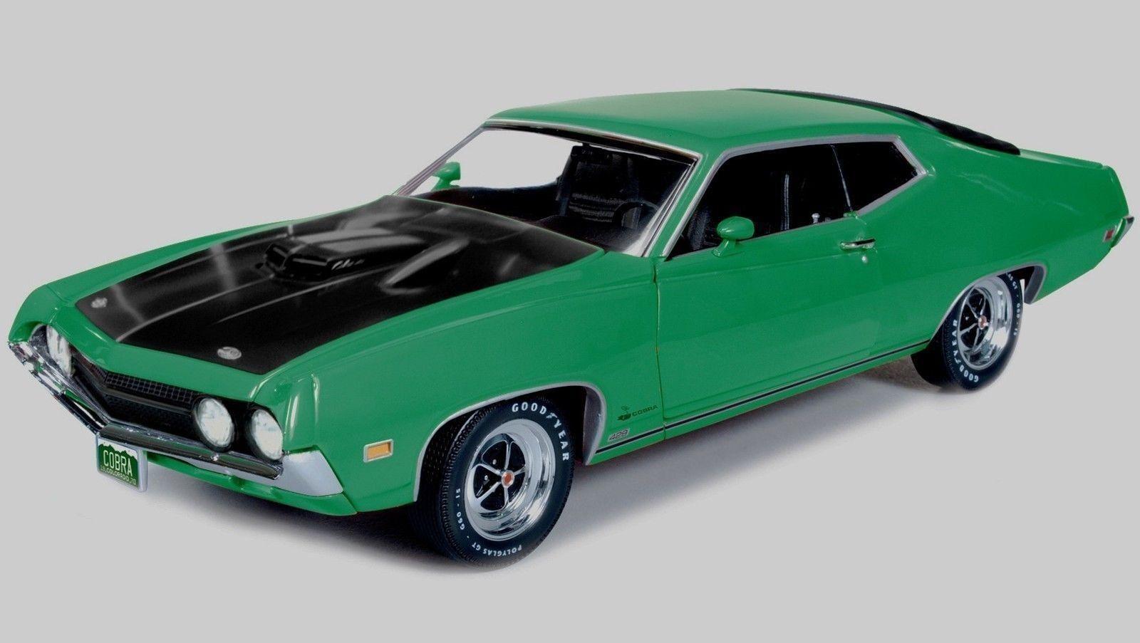 1 18 AUTOWORLD  ERTL 1970 Ford Torino Cobra Grabber Green