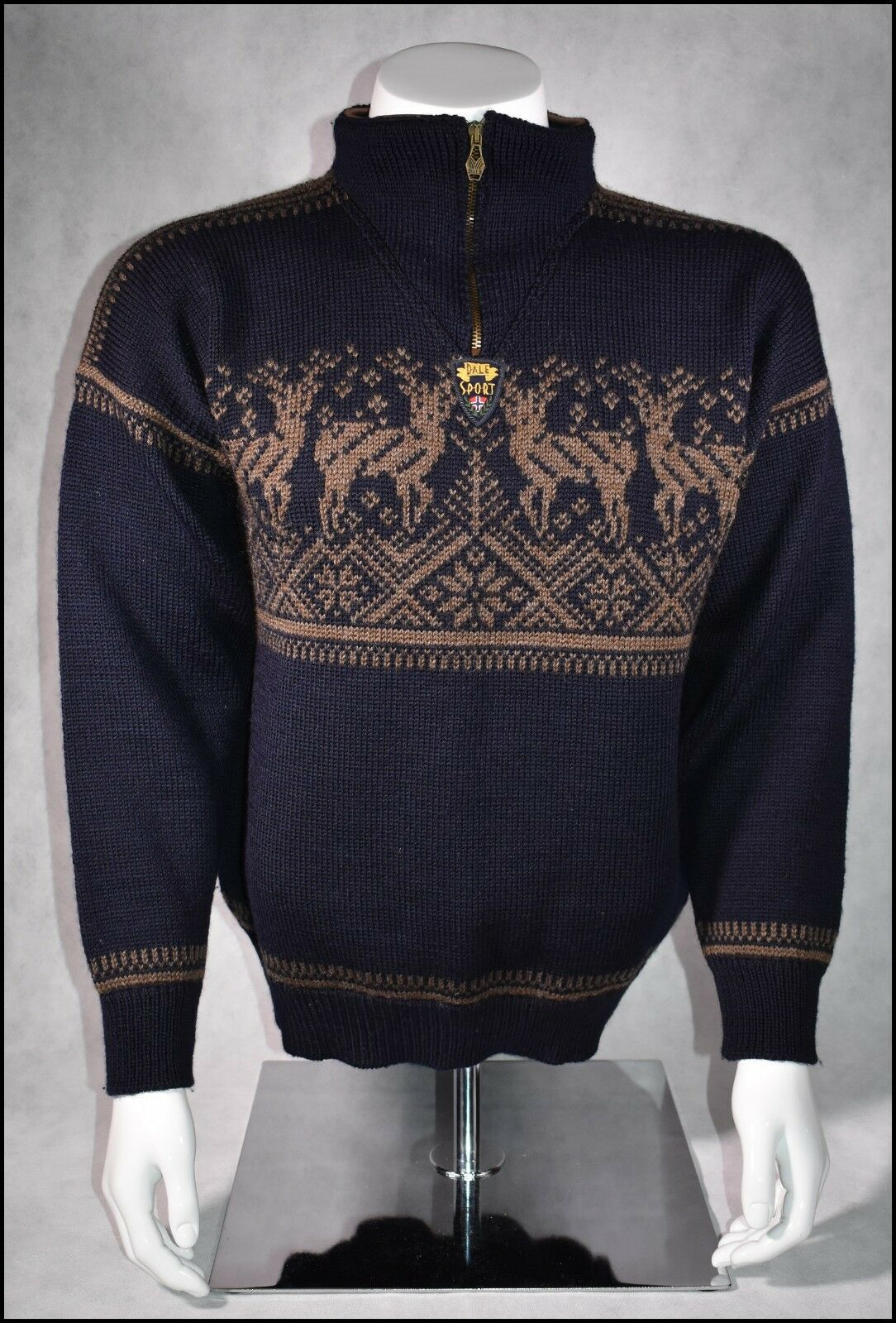 DALE OF NORWAY SPORT WOOL SWEATER MENS M MIDNIGHT  blueE  presenting all the latest high street fashion