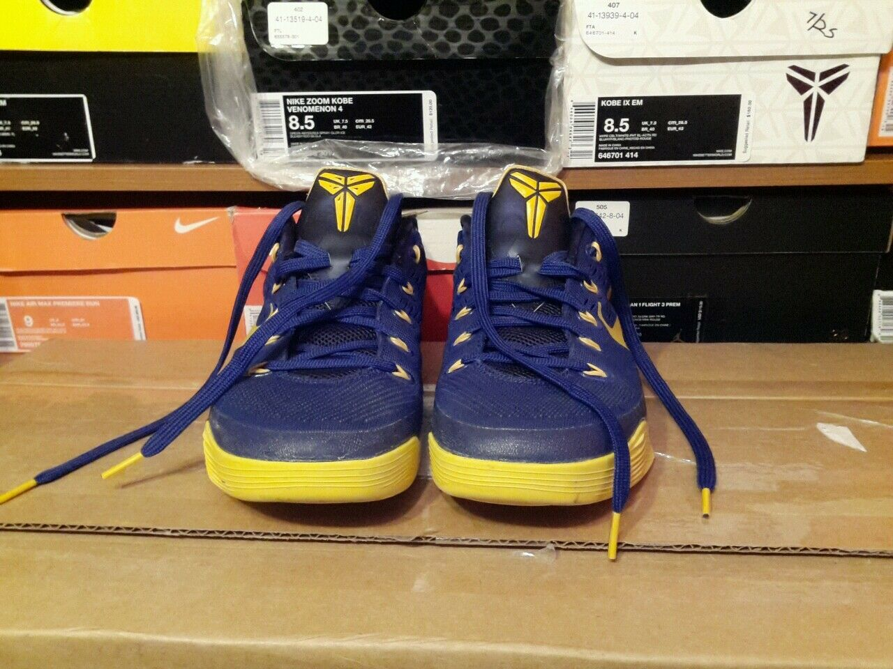 Nike Kobe Shoes Men's size 8.5  blue yellow rare nice zoom mamba