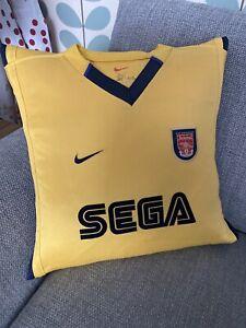 Arsenal SEGA Dreamcast 1999/2000 Away Shirt Vintage Retro Cushion Present Gift