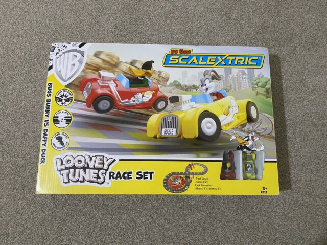 Scalextric My First Looney Tunes with Bugs Bunny Vs Daffy Duck Racing Toy Set