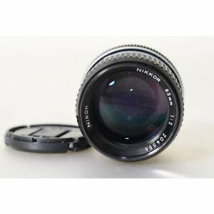 Nikon-Ai-Nikkor-85mm-F-2-AI-2-0-85-Teleobjektiv-MF-2-85-mm