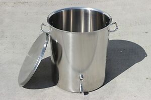 New-Home-Brew-Kettle-Welded-Stainless-Steel-Stock-Pot-w-2-Couplers-Welded-On